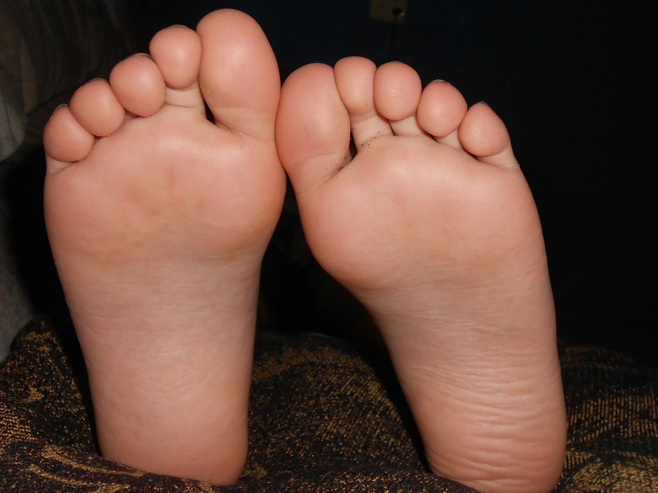 feet-179233_1280