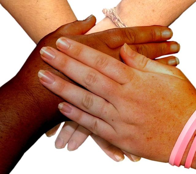 hands-543593_640